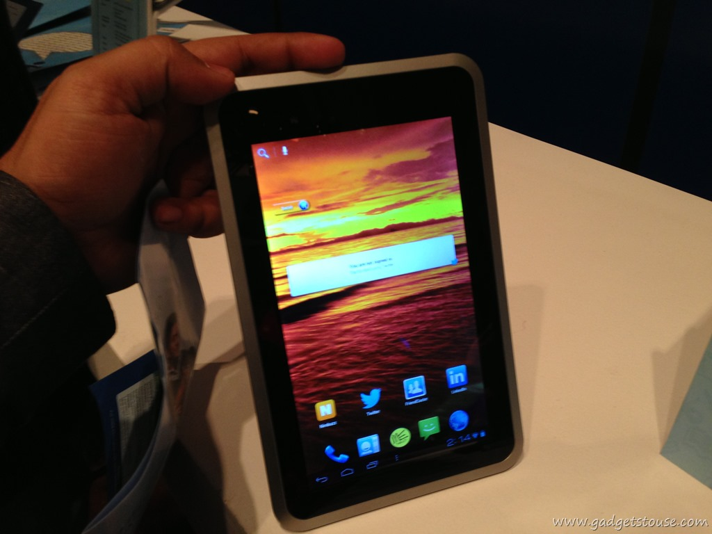 Camera Hcl Android Phones hcl tablet me v1 u2 and y3 launched with google play store pictures gallery