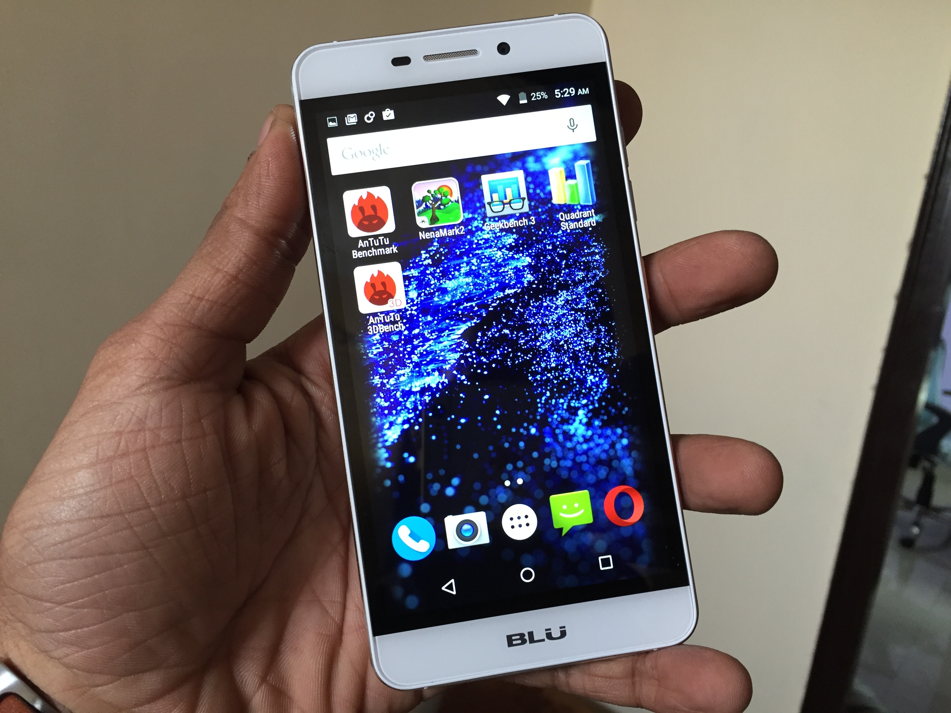 Blu Life Mark Faq Pros Cons User Queries And Answers Gadgets To Use
