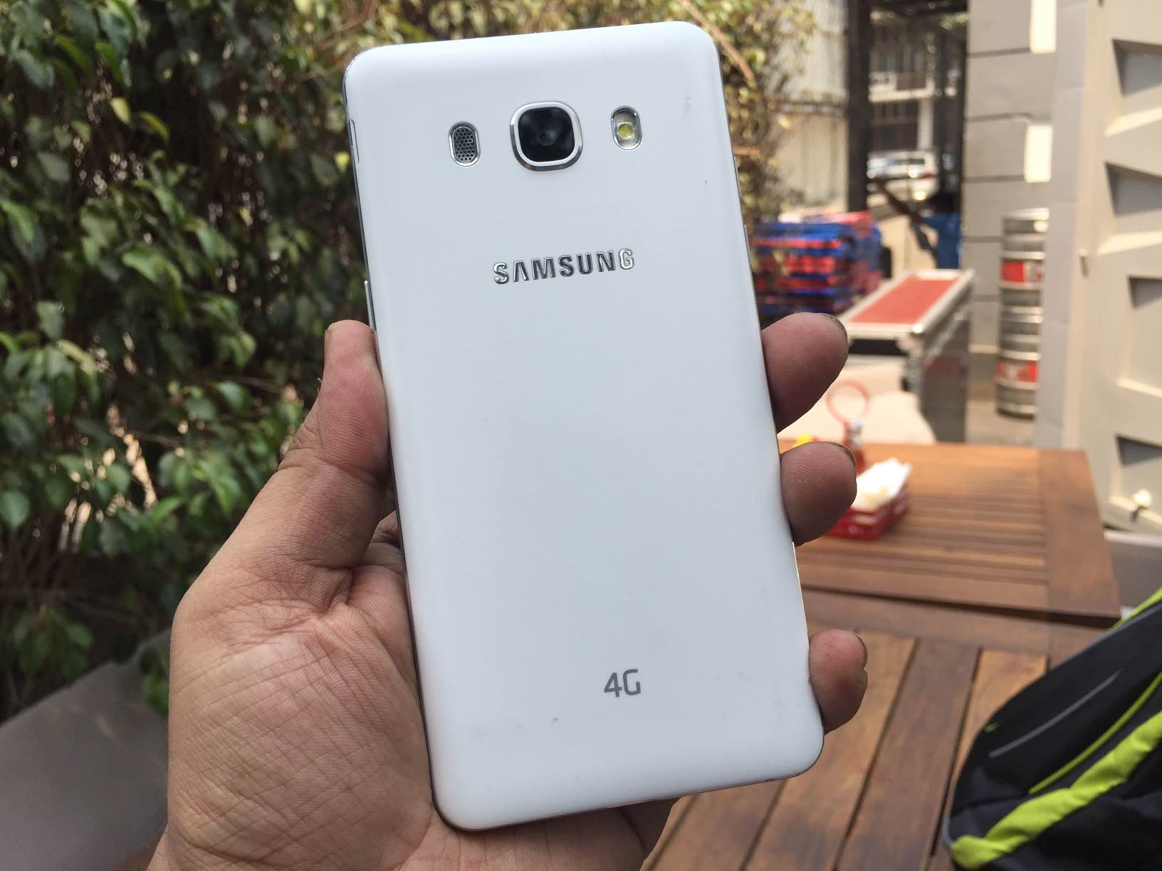 samsung galaxy j5 2016 unboxing gaming and benchmarks