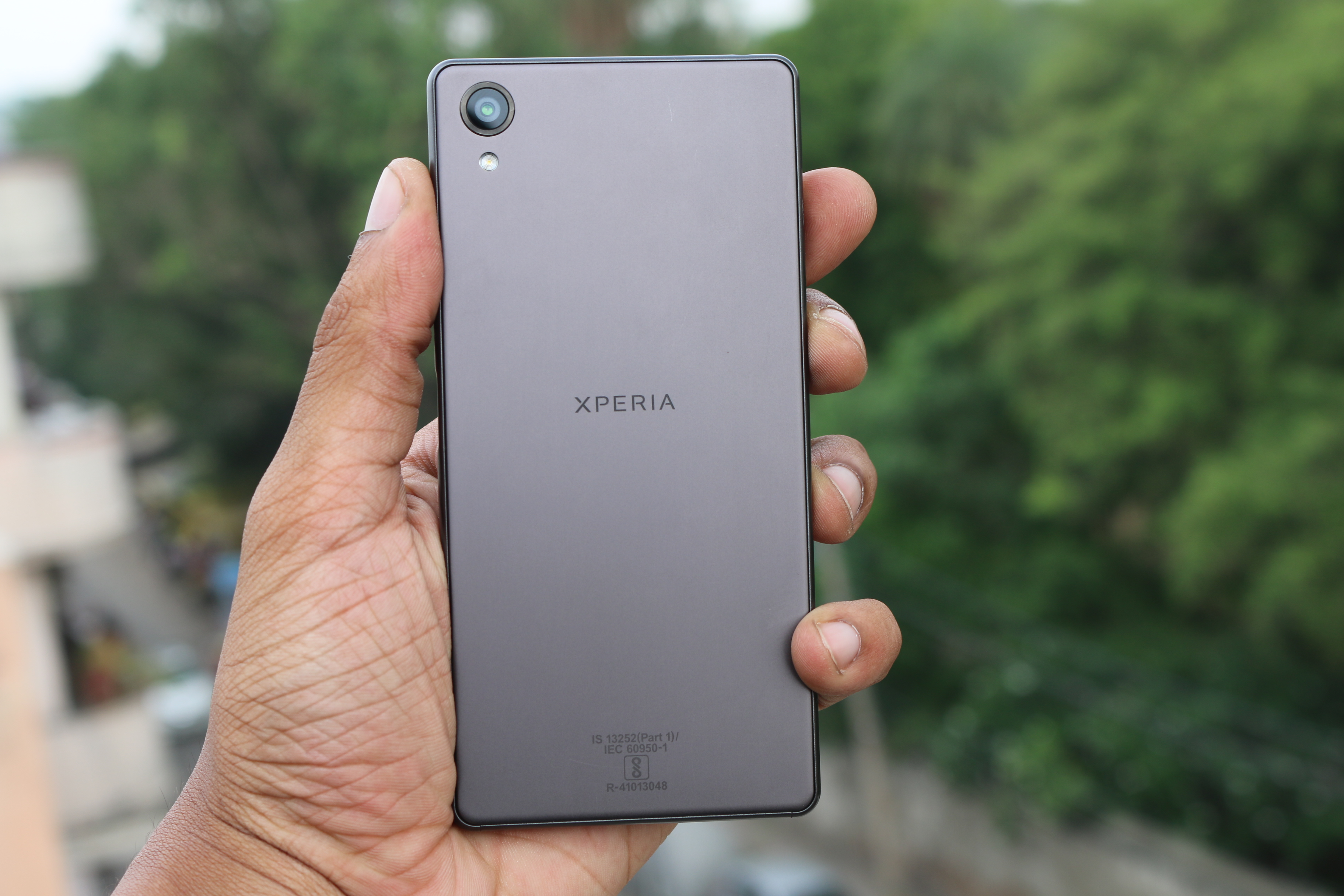 sony xperia x unboxing quick review gaming and benchmarks. Black Bedroom Furniture Sets. Home Design Ideas