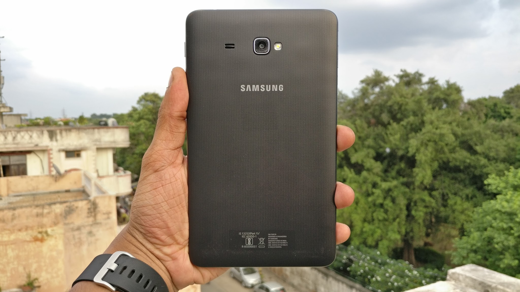 Samsung Galaxy J Max (5)