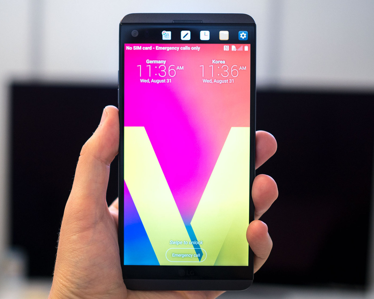 lg launches lg v20 with android nougat 7 0