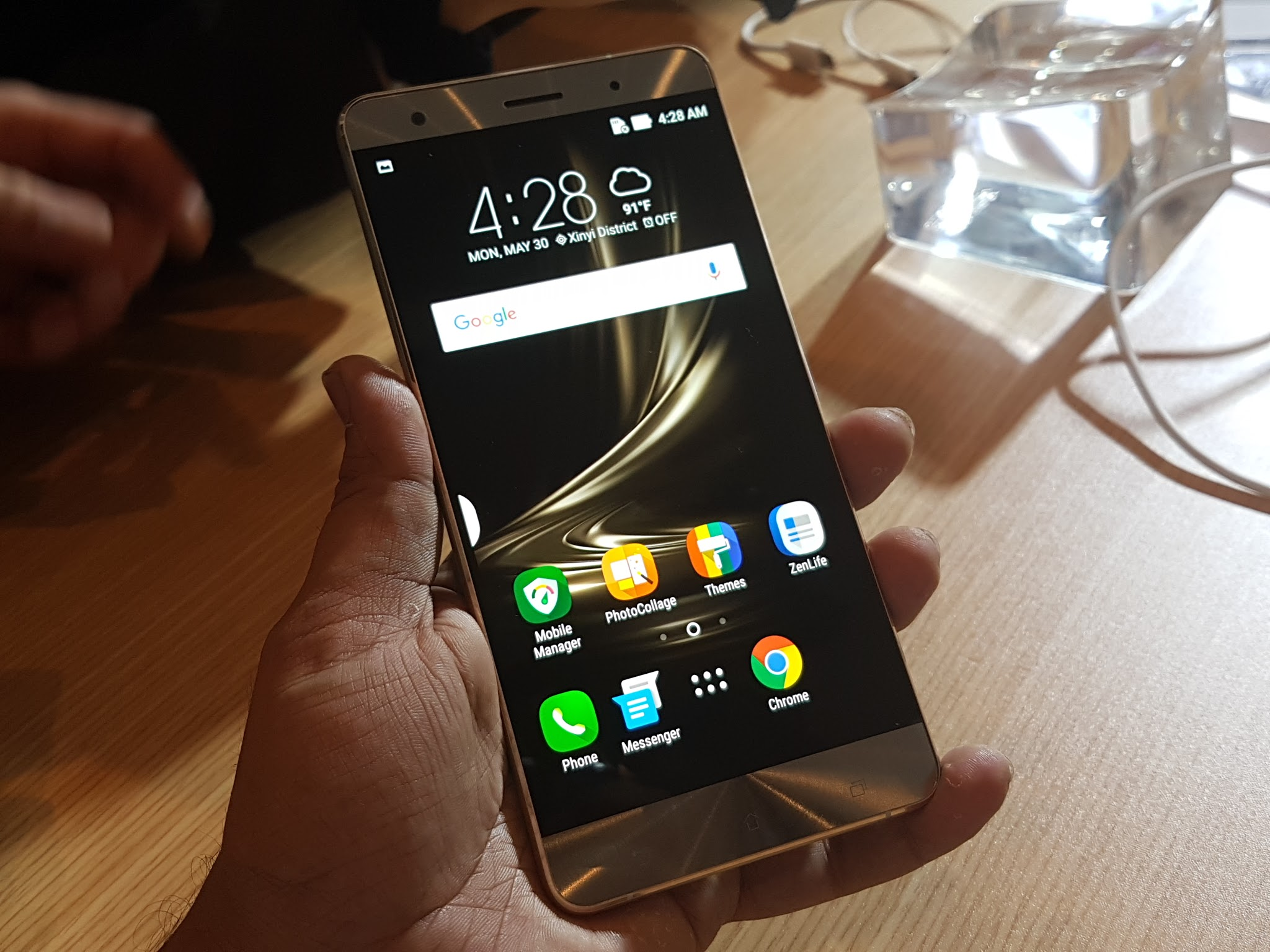 asus zenfone 3 deluxe real life usage review gadgets to use. Black Bedroom Furniture Sets. Home Design Ideas