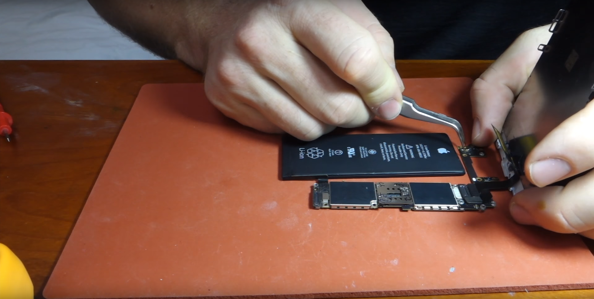 How Did a Man Assemble His Own iPhone by Buying Individual Parts