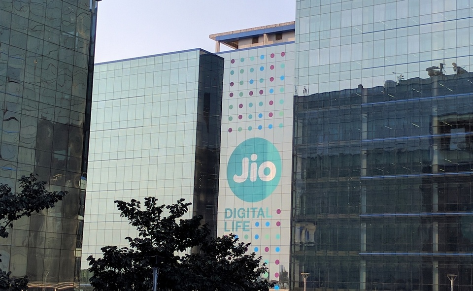Jio Effect Consumer Mobile Phone Bills Down By Upto Rs