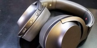 Sony wireless noise cancellation headphones 1
