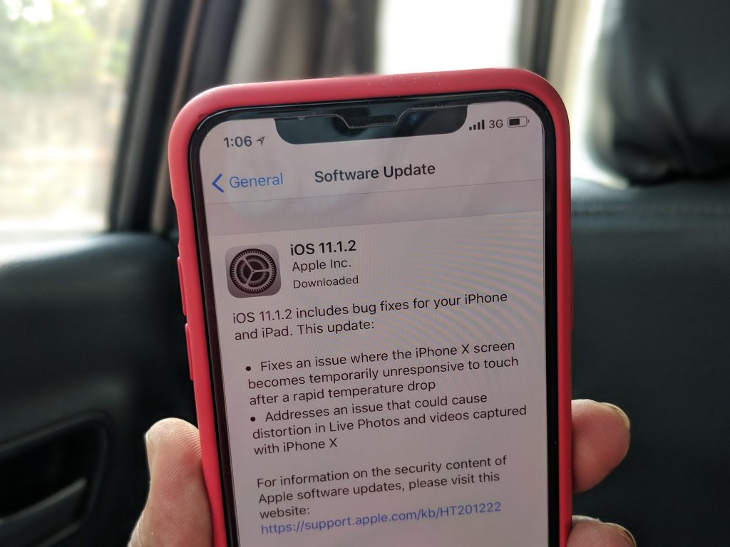 Apple iPhone X unresponsive display update