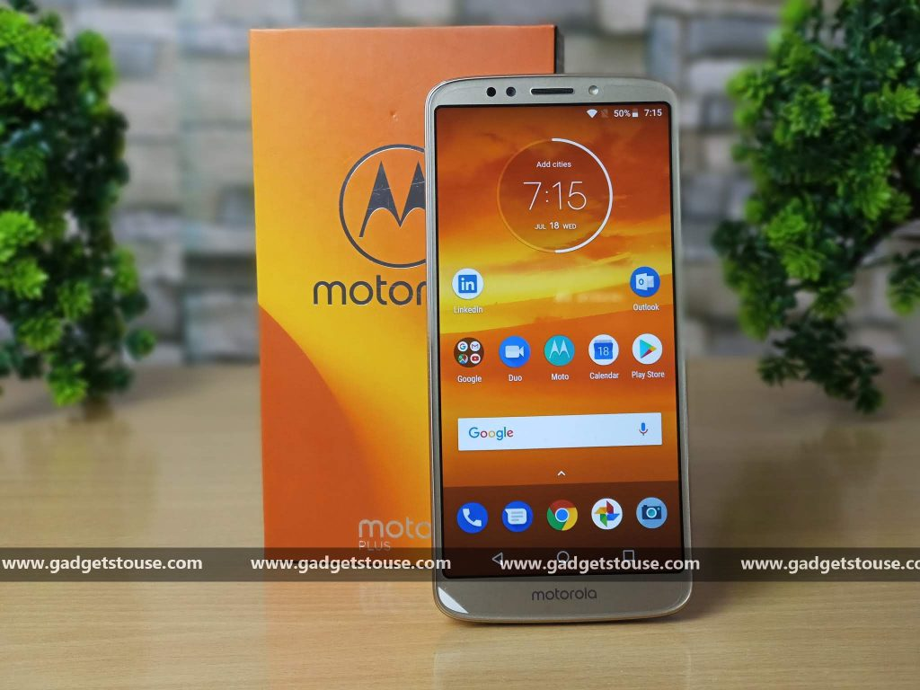 399b2dbea2c Motorola s Moto E-series handsets usually come with low-end specs but they  still offer a good mobile experience. The recently launched Moto E5 Plus  comes ...