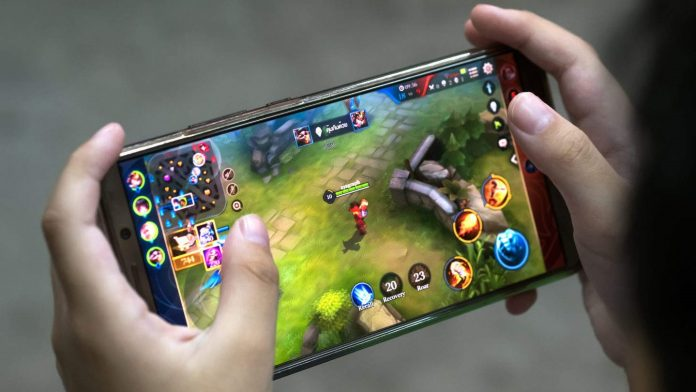 Mobile-Games-696x392 5 Finest Free Android Video games to Play When You're Remoted