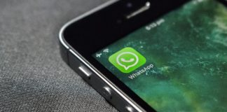 Read Whatsapp Messages on iPhone without Notifying the Sender